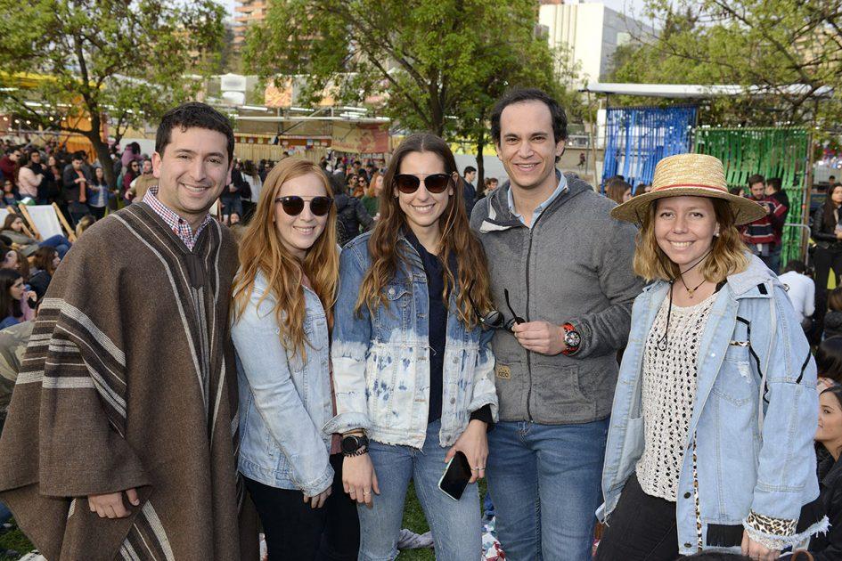 Concejal Cristián Araya con sus amigos