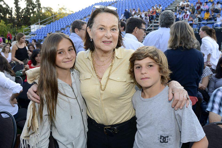 Laura Pooley, Ana Pelizzola y Matías Pooley.