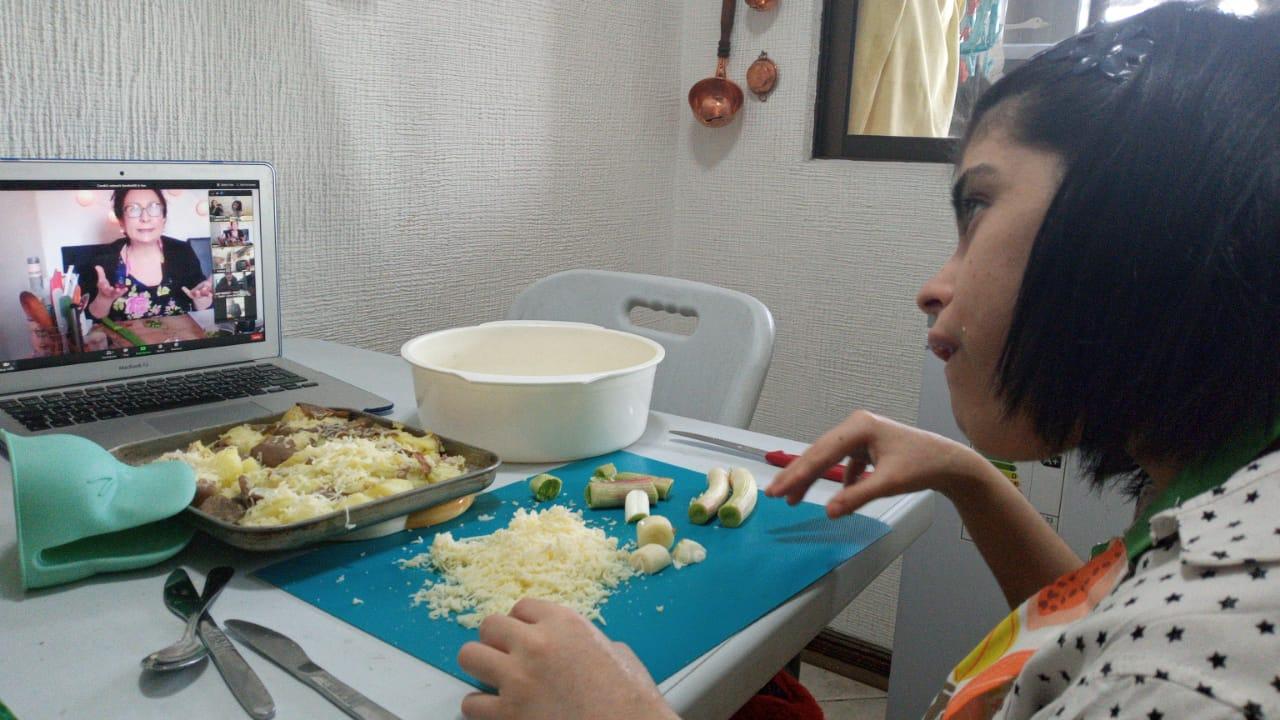 El curso de cocina de Vitaintegración mostró sus recetas
