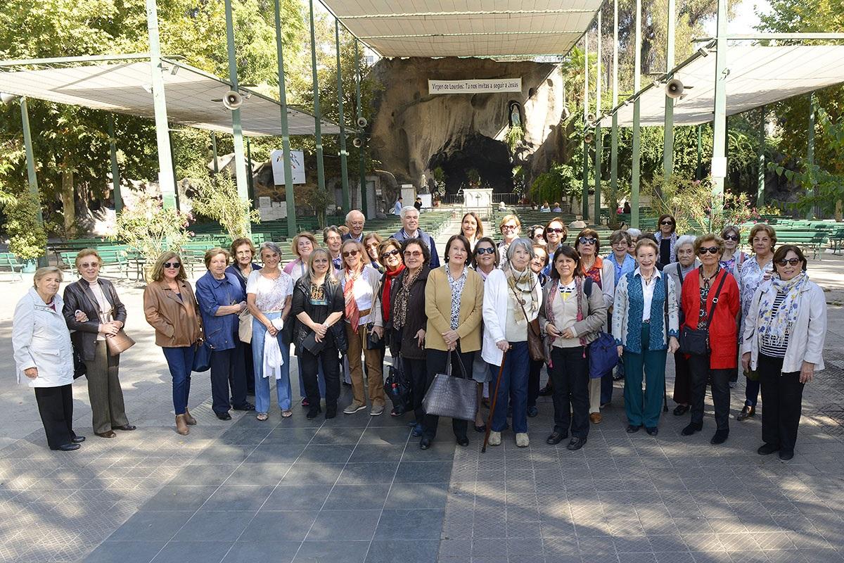 Alumnas de Vitamayor visitaron Santuario de Lourdes